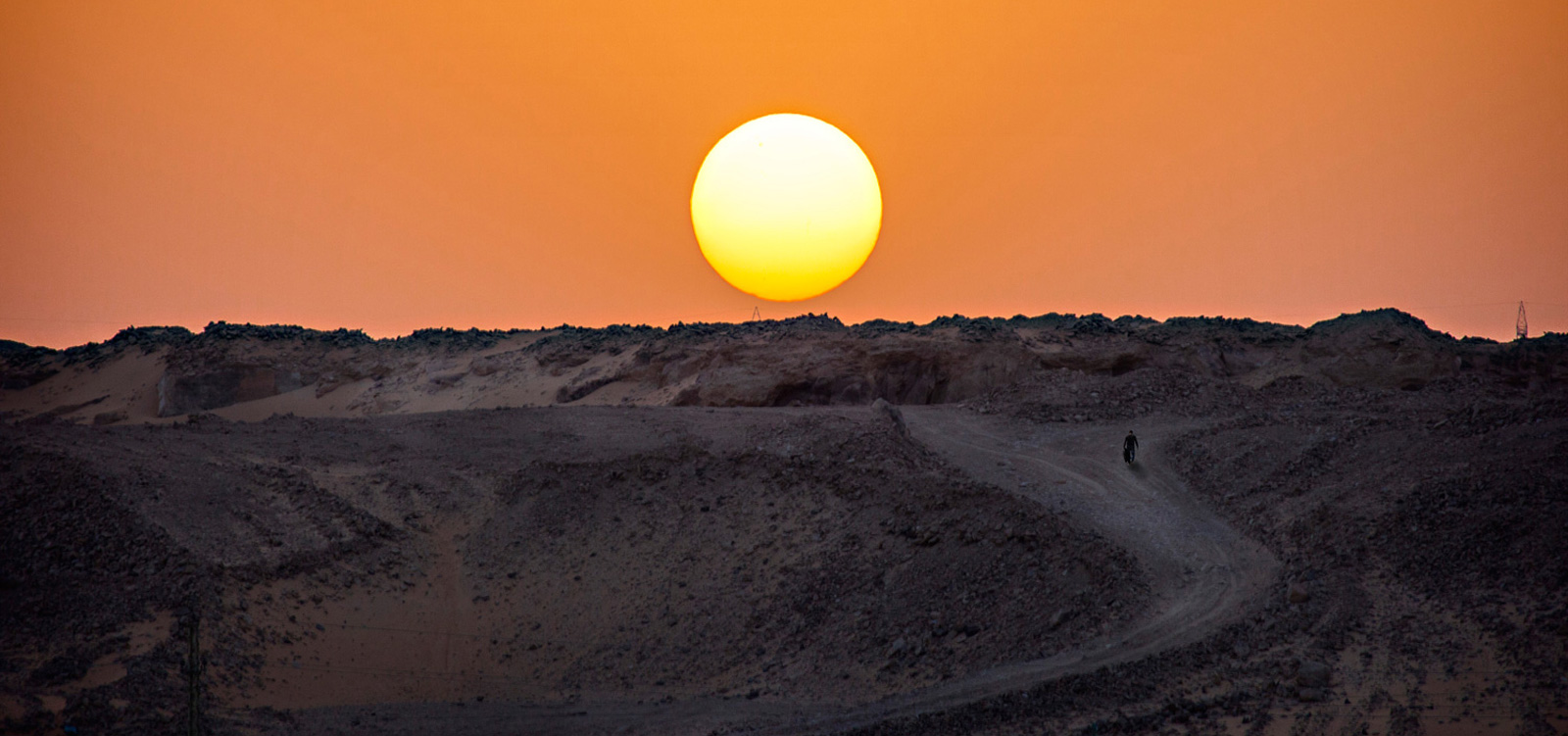 Fotografía conceptual paisaje Egipto puesta de sol