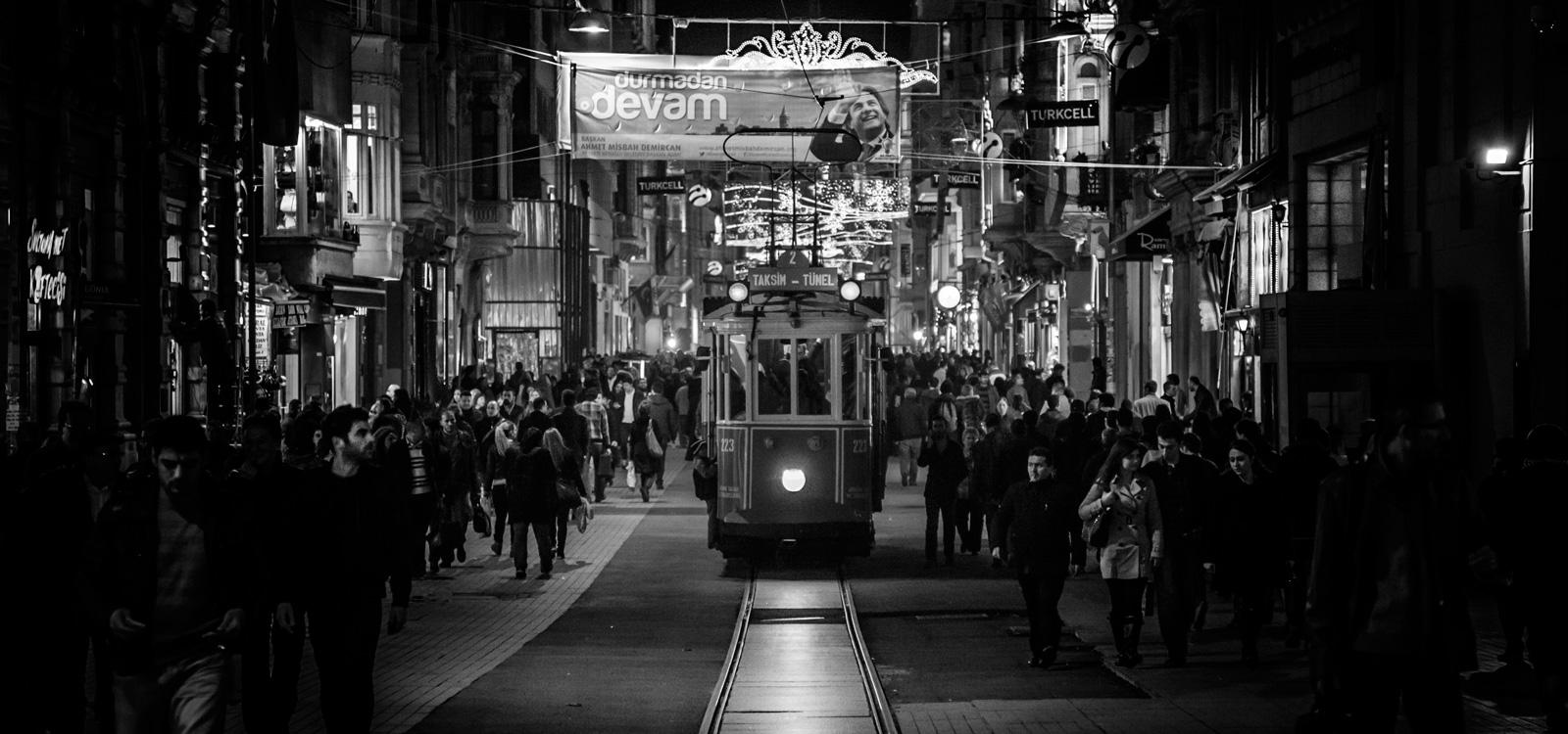 Fotógrafo viajes Estambul tranvía